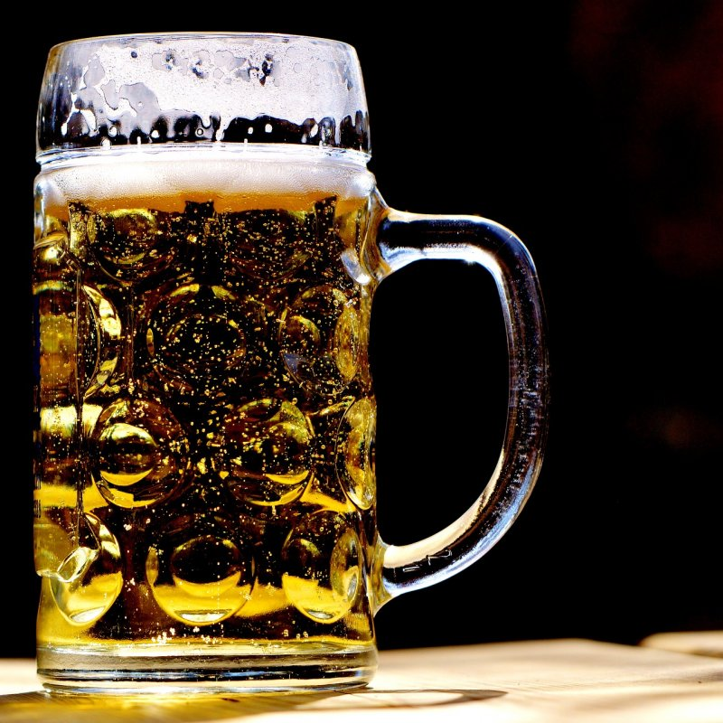 A German Man Just Broke A World Record By Carrying 29 Beer Steins